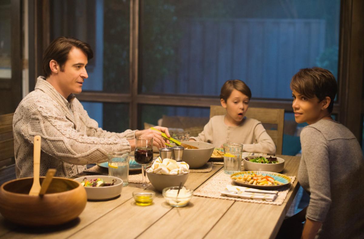 Дом будущего: как оформить интерьер в стиле дома из сериала «За пределами»