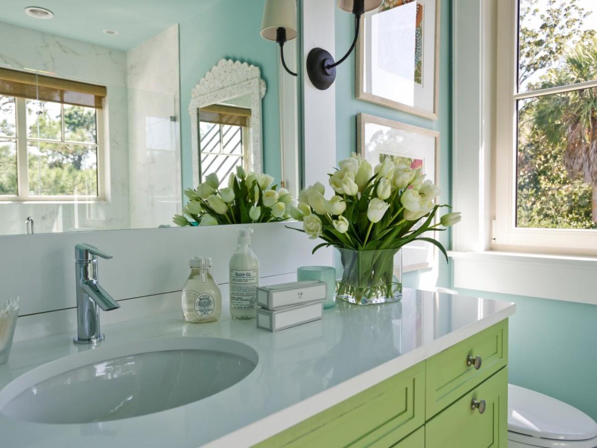 Как декорировать вашу маленькую ванную: 10 идей и 5 советов