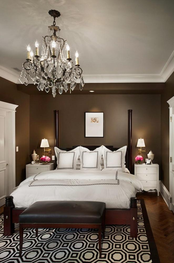 Спальня в цветах: Светло-серый, Серый, Темно-зеленый, Темно-коричневый. Спальня в стиле: Классика.