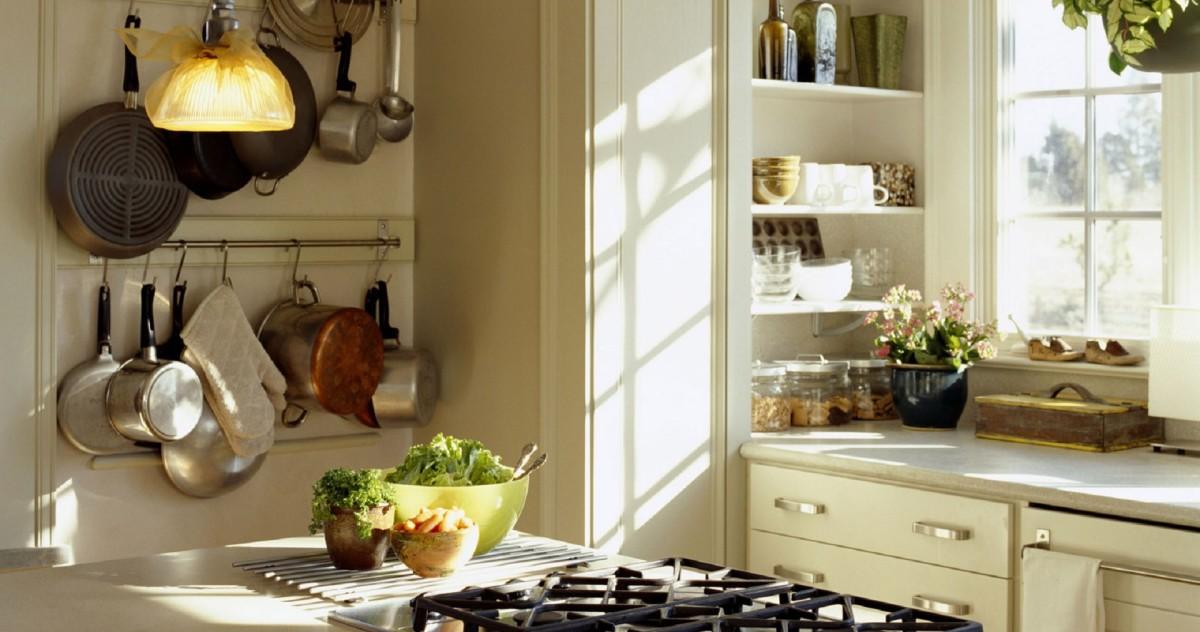 Декорируем маленькую кухню: 20 нестандартных идей