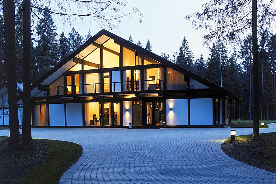 Дом и дача в  цветах:   Белый, Голубой, Фиолетовый, Черный.  Дом и дача в  .