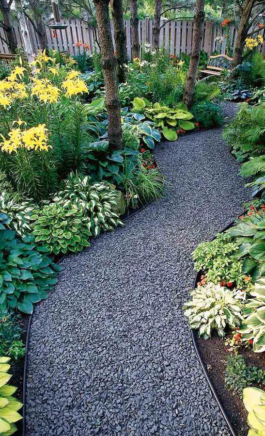 Ландшафт в цветах: фиолетовый, серый, темно-зеленый, сине-зеленый. Ландшафт в стиле экологический стиль.
