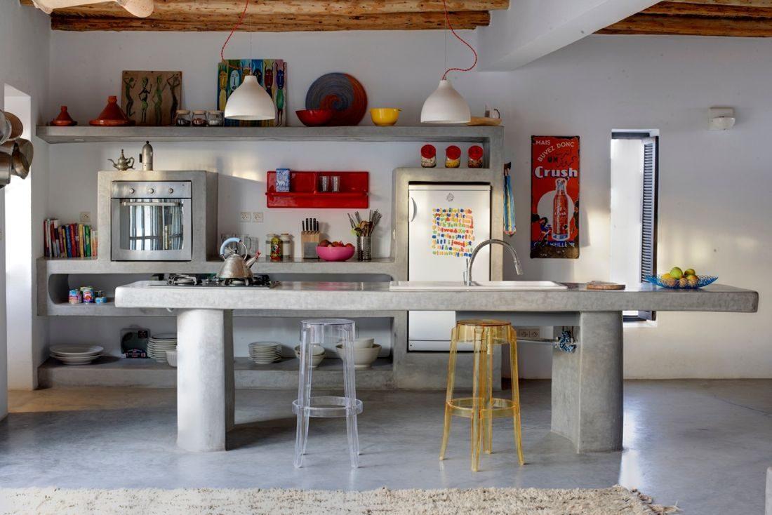 Кухня в цветах: серый, светло-серый, темно-коричневый, коричневый. Кухня в стилях: ближневосточные стили, этника.
