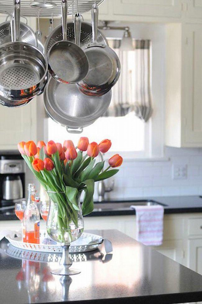 Кухня в цветах: голубой, серый, светло-серый, темно-зеленый. Кухня в .