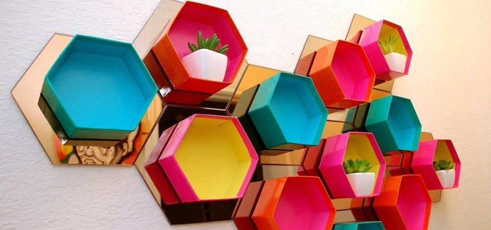 Шестиугольные декоративные полки на зеркальной подложке: мастер-класс