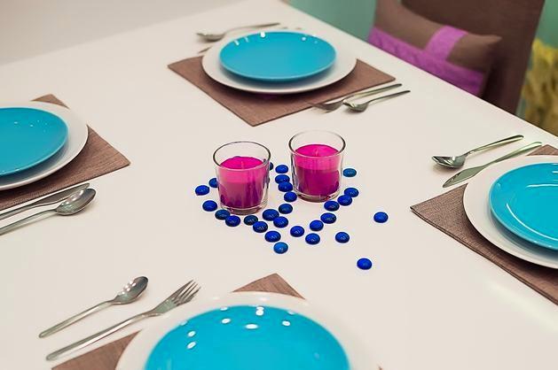 Фото в цветах: голубой, серый, светло-серый, белый, коричневый. Фото в .