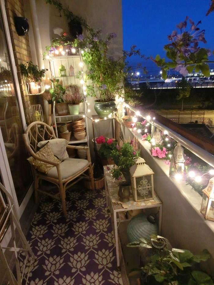Балкон, веранда, патио в цветах: черный, серый, белый, бордовый, темно-зеленый. Балкон, веранда, патио в .
