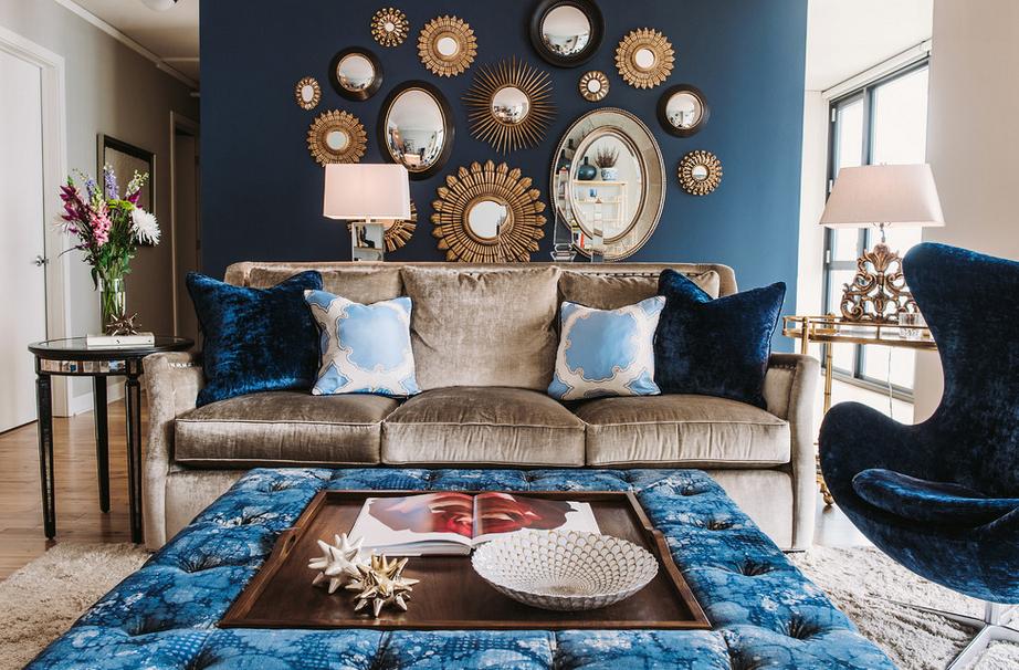 Гостиная, холл в цветах: голубой, бирюзовый, черный, серый. Гостиная, холл в стилях: американский стиль, эклектика.
