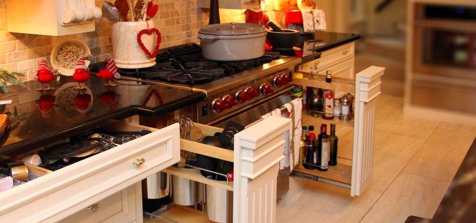 Нет места для ложек: 14 дополнительных мест хранения на кухне