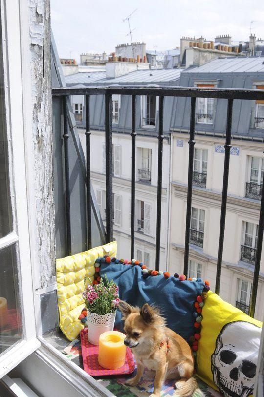 Балкон, веранда, патио в цветах: серый, светло-серый, белый. Балкон, веранда, патио в .