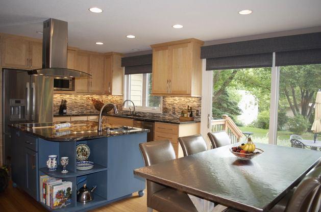 Кухня в цветах: серый, светло-серый, коричневый, бежевый. Кухня в .