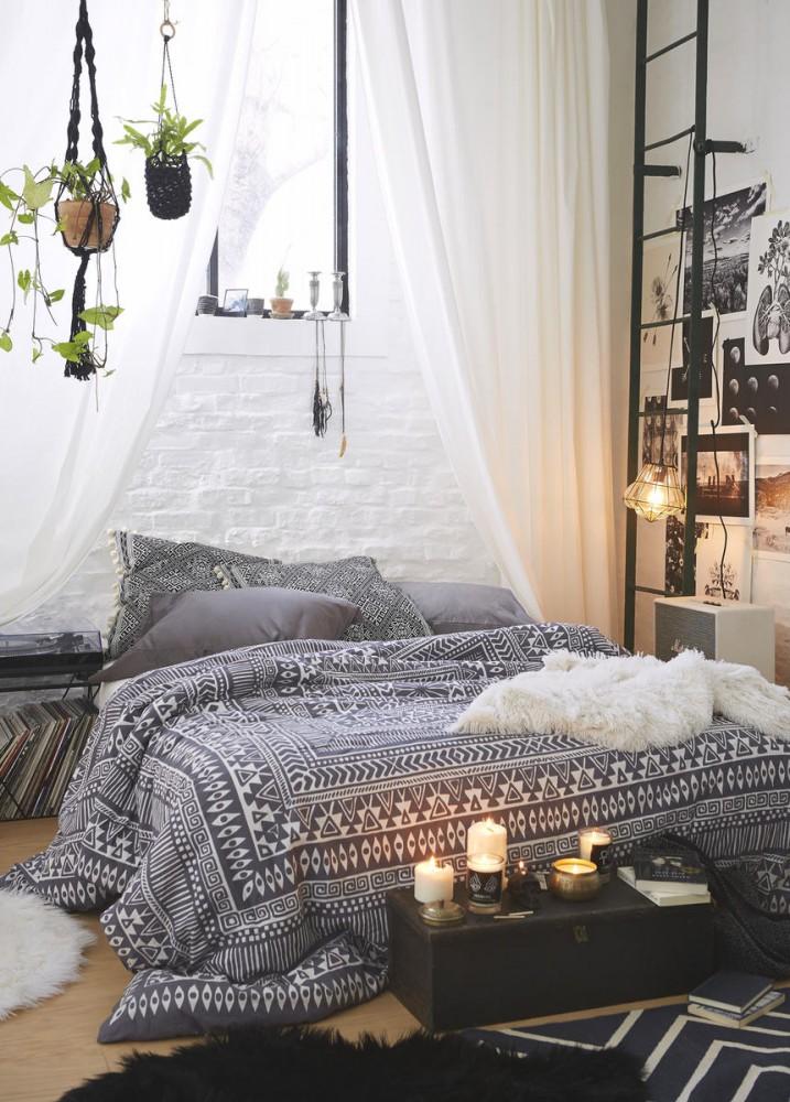 Спальня в цветах: желтый, серый, светло-серый, бежевый. Спальня в стилях: средиземноморский стиль.