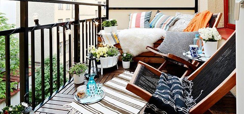 Как превратить городской балкон в скандинавскую террасу: практикум Roomble