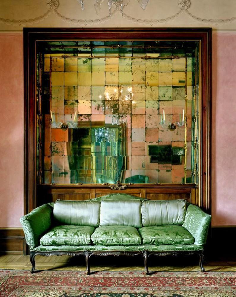 Гостиная, холл в цветах: темно-зеленый, коричневый, бежевый. Гостиная, холл в стилях: арт-деко.