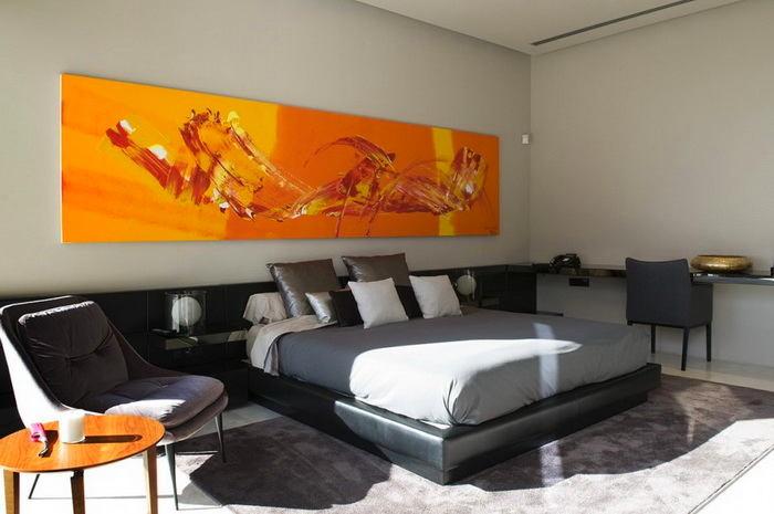 Спальня в цветах: оранжевый, черный, серый, бордовый. Спальня в стиле минимализм.