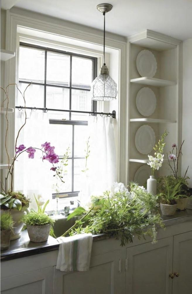 в цветах: серый, светло-серый, белый, бежевый.  в стиле классика.