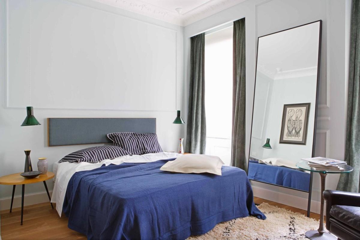 Мебель и предметы интерьера в цветах: фиолетовый, серый, белый. Мебель и предметы интерьера в стилях: минимализм.