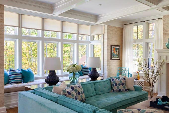 Гостиная, холл в цветах: голубой, бирюзовый, светло-серый, белый, бежевый. Гостиная, холл в стиле классика.