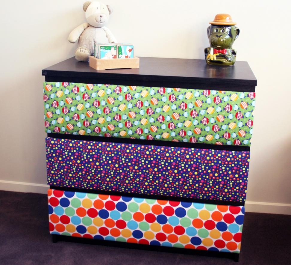 Мебель и предметы интерьера в цветах: желтый, зеленый, бирюзовый, фиолетовый, черный. Мебель и предметы интерьера в .