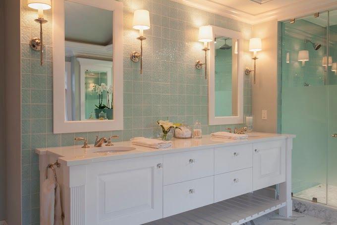 Ванная в цветах: голубой, серый, светло-серый, бежевый. Ванная в стилях: классика.