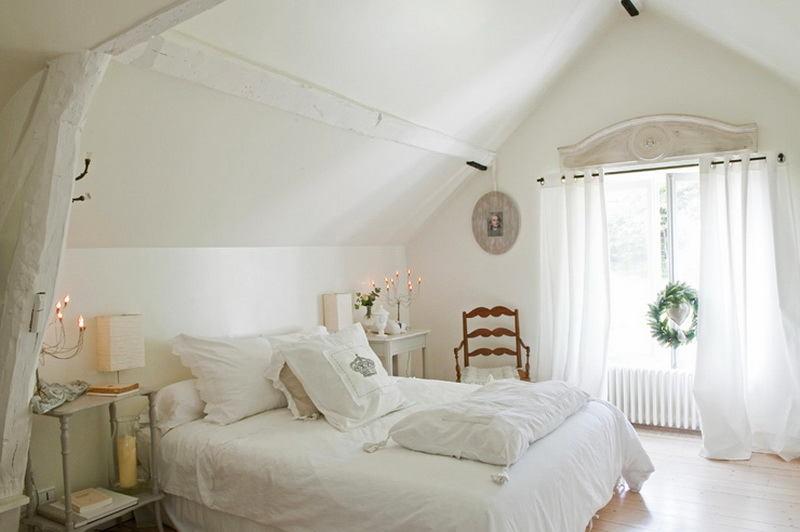 Спальня в цветах: светло-серый, белый, бежевый. Спальня в стиле французские стили.
