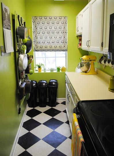 Кухня в цветах: черный, светло-серый, темно-зеленый, бежевый. Кухня в .