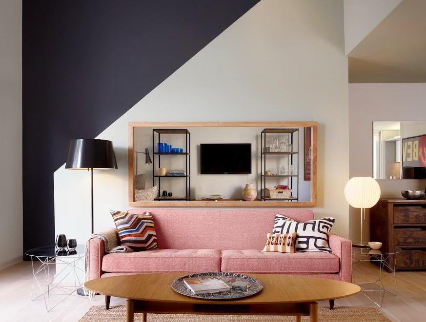 Гостиная, холл в цветах: черный, серый, светло-серый, белый, розовый. Гостиная, холл в стиле скандинавский стиль.