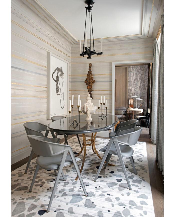 Мебель и предметы интерьера в цветах: серый, светло-серый, белый, коричневый. Мебель и предметы интерьера в стилях: классика, французские стили.