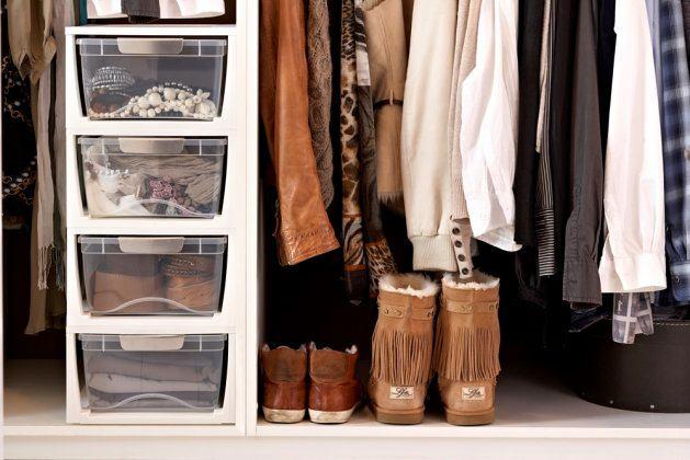 Мебель и предметы интерьера в цветах: серый, светло-серый, белый, коричневый. Мебель и предметы интерьера в стиле минимализм.