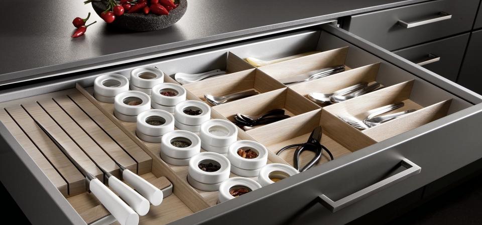 Оснащение кухни: всё, что нужно знать о ящиках