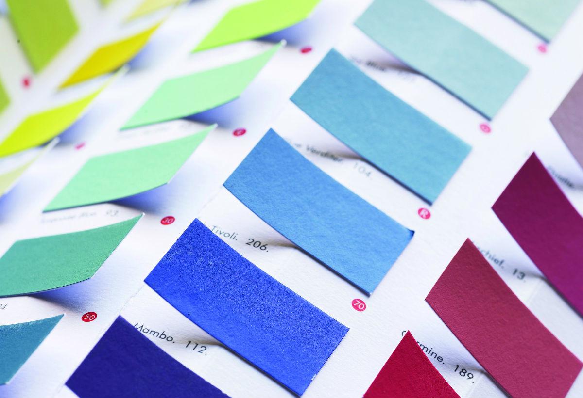 Фото в цветах: голубой, белый, бордовый. Фото в .