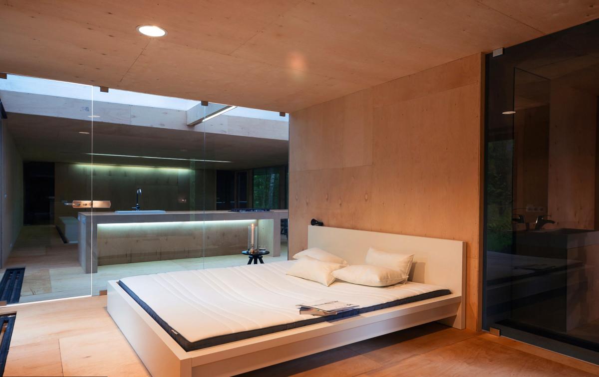 Мебель и предметы интерьера в цветах: белый, темно-коричневый, коричневый, бежевый. Мебель и предметы интерьера в стилях: минимализм, экологический стиль.