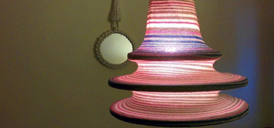 Как превратить старый свитер в стильный светильник. Мастер-класс