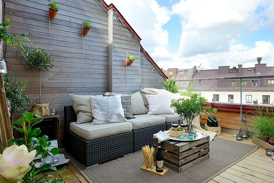 Балкон, веранда, патио в цветах: черный, серый, светло-серый, белый. Балкон, веранда, патио в стиле скандинавский стиль.