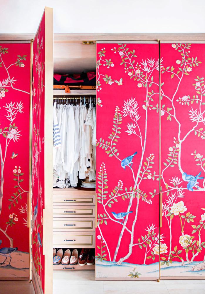 Мебель и предметы интерьера в цветах: красный, белый, розовый, бежевый. Мебель и предметы интерьера в стиле эклектика.