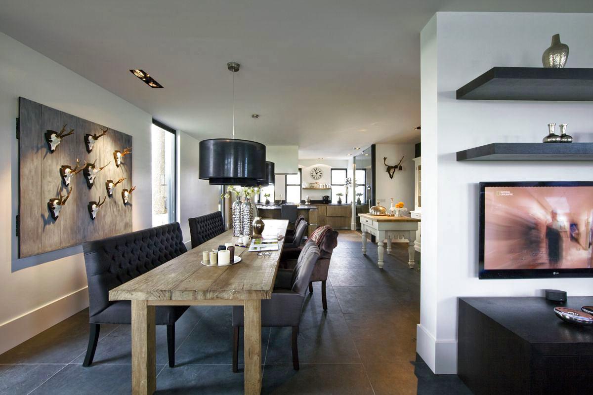 Гостиная, холл в цветах: черный, серый, светло-серый, белый. Гостиная, холл в стиле эклектика.