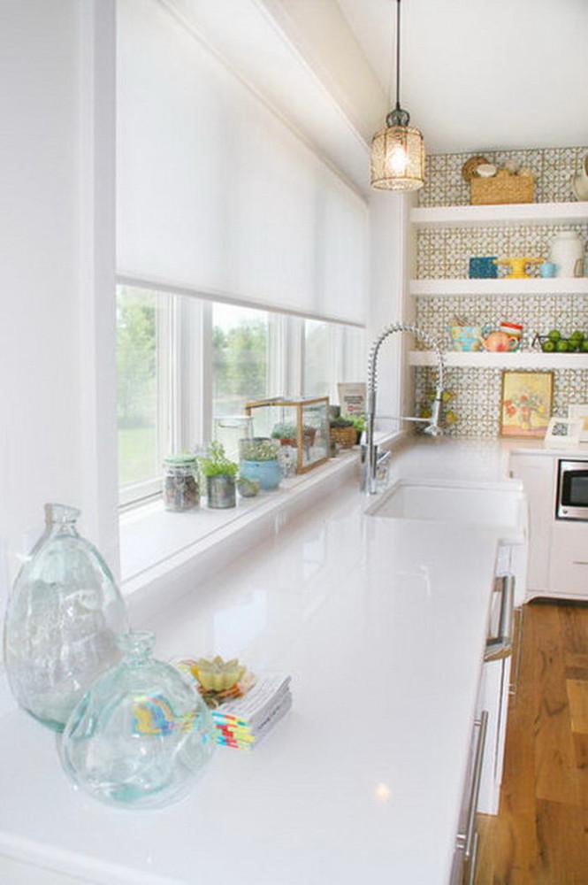 Кухня в цветах: желтый, серый, светло-серый. Кухня в стиле классика.