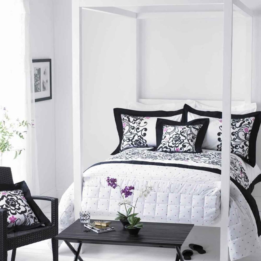 Спальня в цветах: черный, белый. Спальня в стиле минимализм.