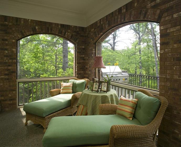 Балкон, веранда, патио в цветах: серый, светло-серый, темно-зеленый, салатовый, бежевый. Балкон, веранда, патио в стиле экологический стиль.