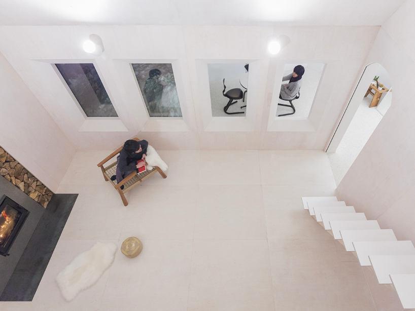Гостиная, холл в цветах: серый, белый, коричневый, бежевый. Гостиная, холл в стиле минимализм.