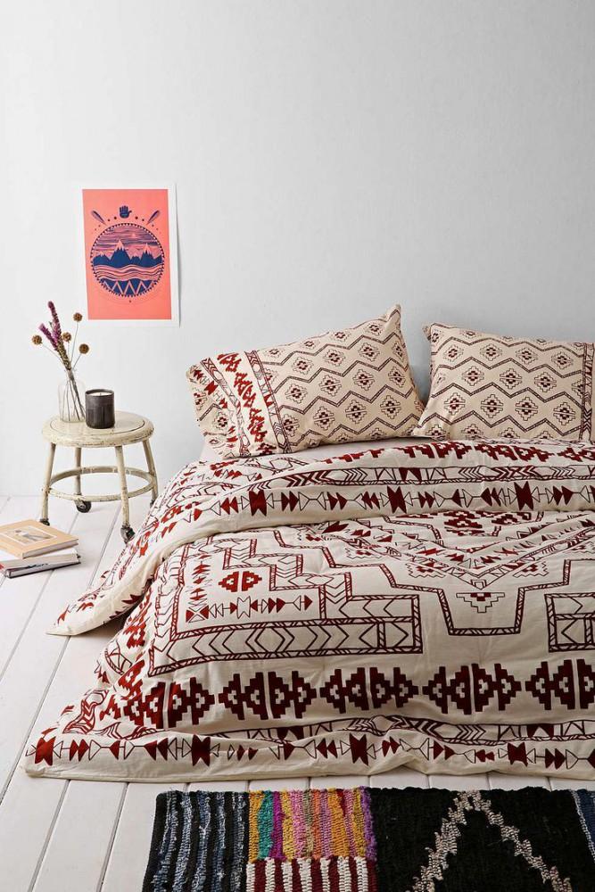 Спальня в цветах: желтый, серый, светло-серый, коричневый, бежевый. Спальня в стилях: средиземноморский стиль.