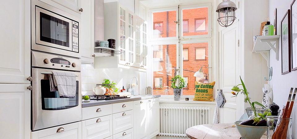 Скандинавский стиль: 20 белых кухонь и советы по их комплектации