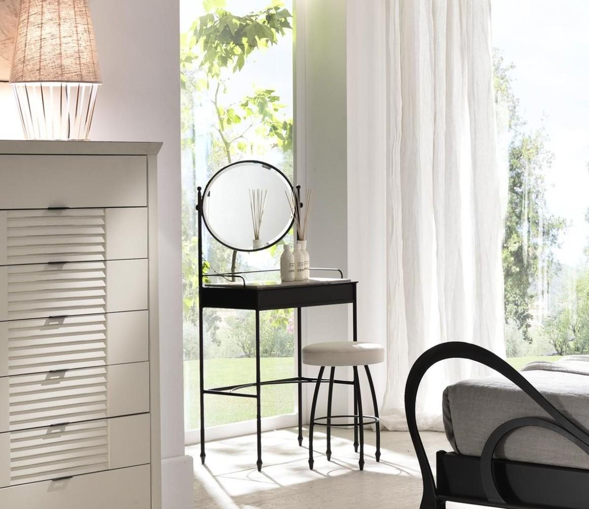 Мебель и предметы интерьера в цветах: серый, светло-серый, белый. Мебель и предметы интерьера в стиле модерн и ар-нуво.