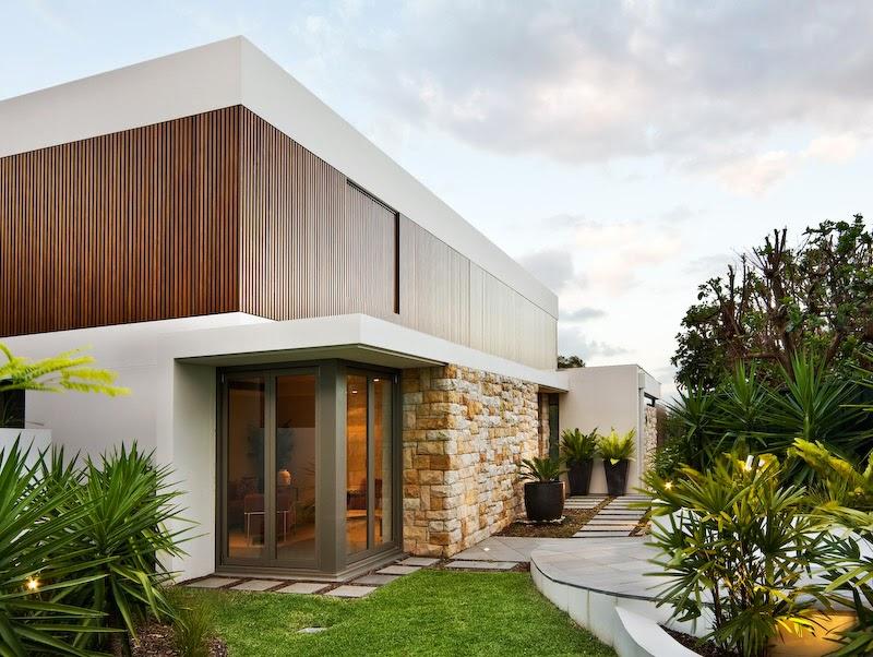 Архитектура в цветах: серый, светло-серый, коричневый. Архитектура в стиле средиземноморский стиль.