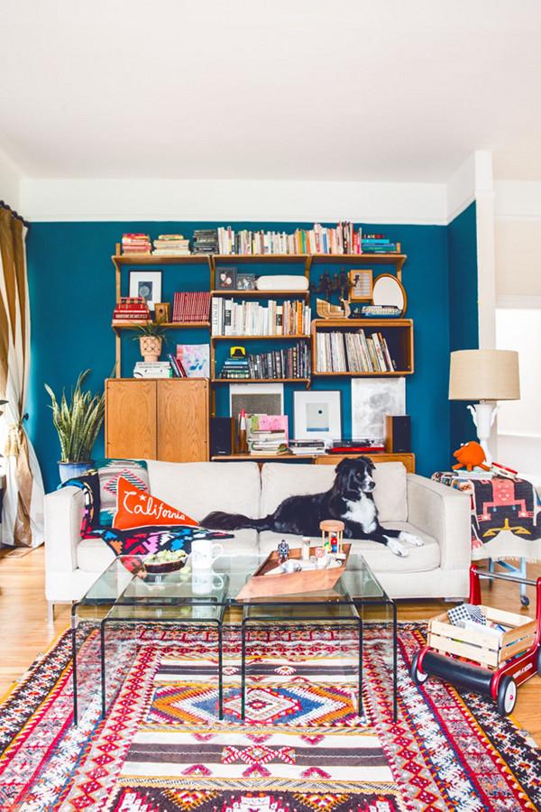 Гостиная в  цветах:   Бежевый, Белый, Светло-серый, Серый, Синий.  Гостиная в  стиле:   Скандинавский.
