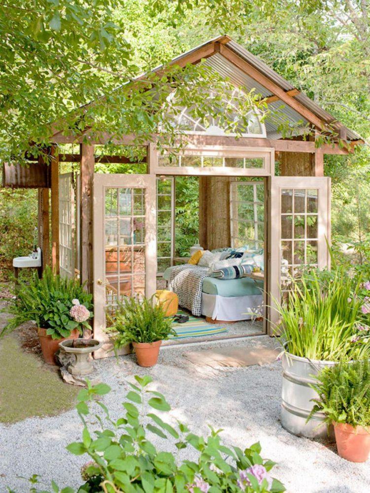 Сад и участок в  цветах:   Бежевый, Зеленый, Салатовый, Светло-серый, Темно-зеленый.  Сад и участок в  .