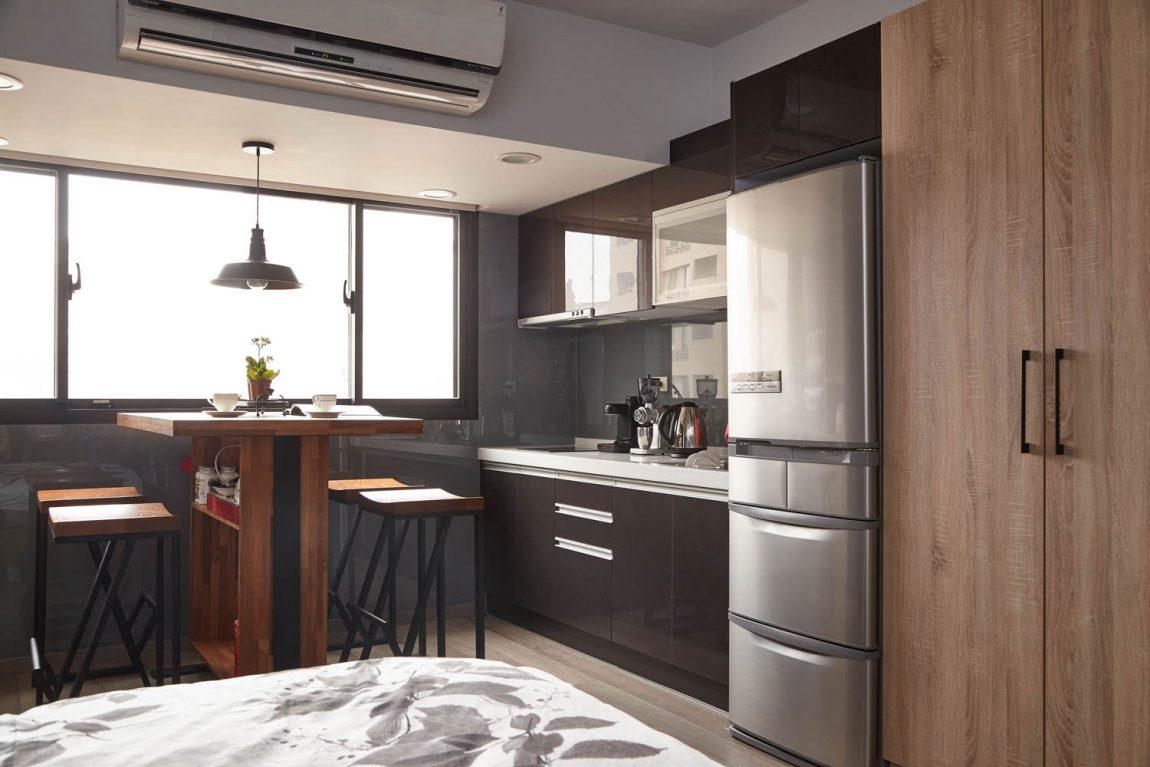 Кухня/столовая в  цветах:   Белый, Коричневый, Светло-серый, Серый, Темно-коричневый.  Кухня/столовая в  стиле:   Минимализм.