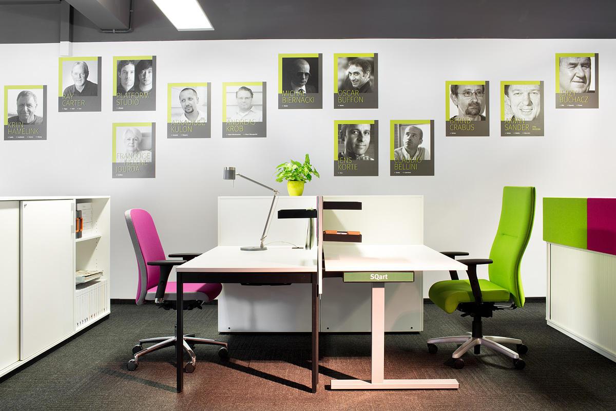 Офис в  цветах:   Бежевый, Белый, Светло-серый, Серый, Черный.  Офис в  стиле:   Минимализм.