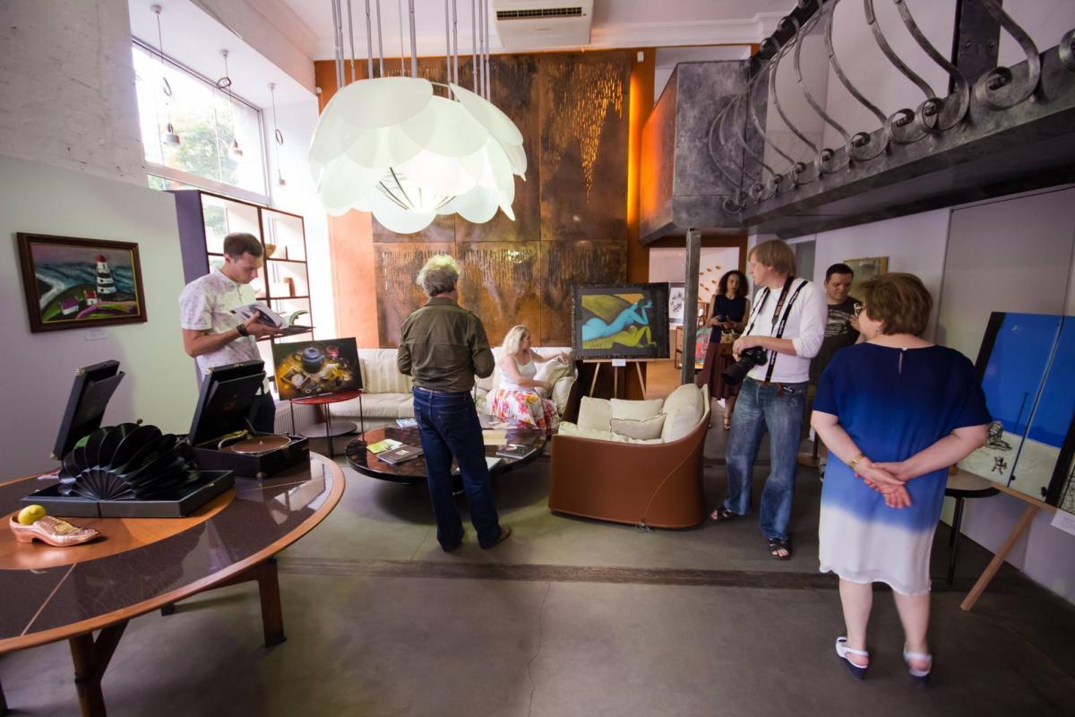 «Квартира S» открыла выставку картин и фотографий