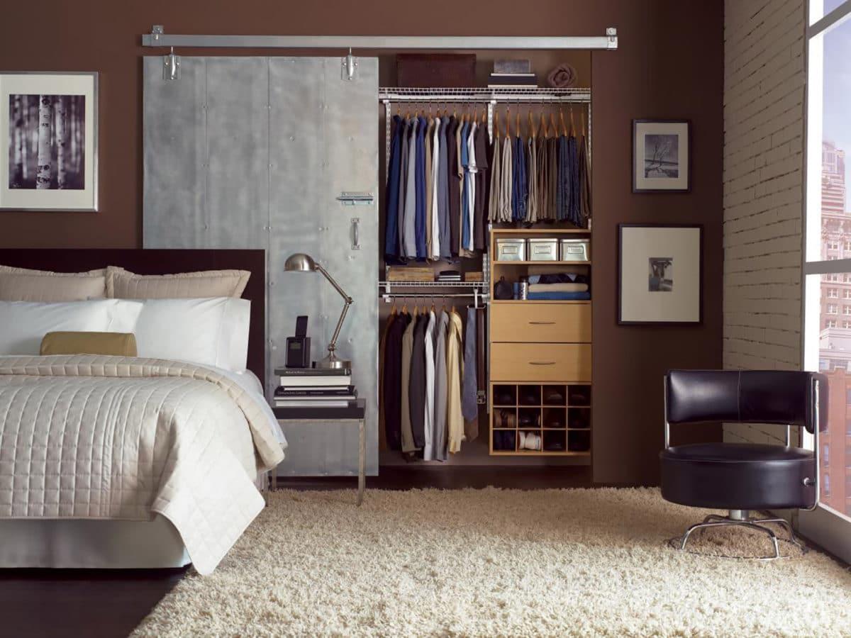 Как организовать хранение вещей в гардеробной: руководство к действию